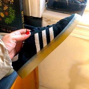 ADIDAS CAMPUS SNEAKER SIZE 7 Excellent condition